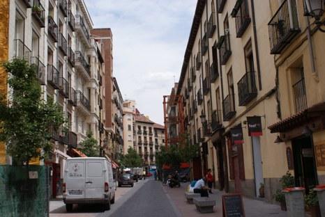 Calle de Santiago, en Madrid.